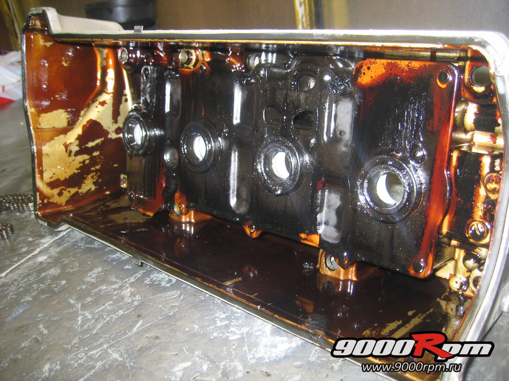 Клапанная крышка мотора K24
