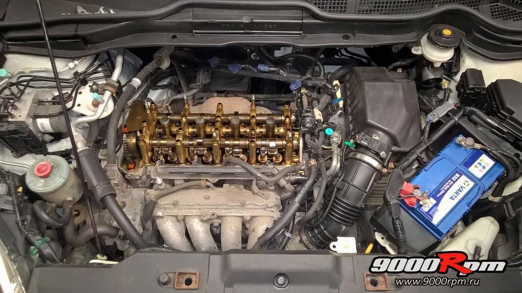 Двигатель СРВ 2,4 без клапанной крышки